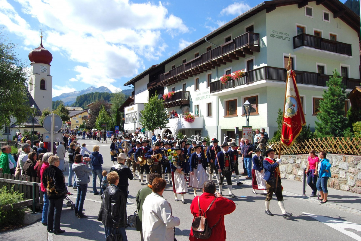 Link traditional music festival of St. Anton
